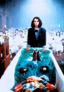 Veronica à l'enterrement d'Heather Duke