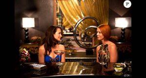 Miranda et Charlotte boivent un verre