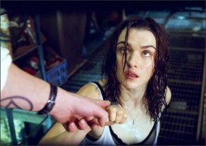 Rachel Weisz est Angela dans Constantine